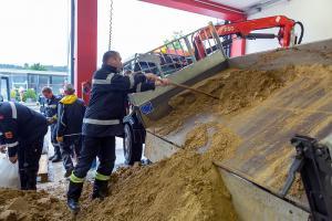 Schweres Unwetter über Göttweig - Mehrere KHD-Züge im Einsatz