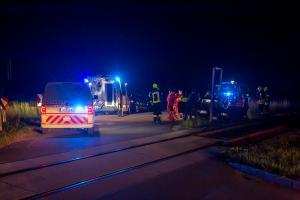 Pkw prallt gegen eine Zugsicherungsanlage