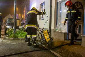 Hocher Sachschaden bei Zimmerbrand in Senftenberg